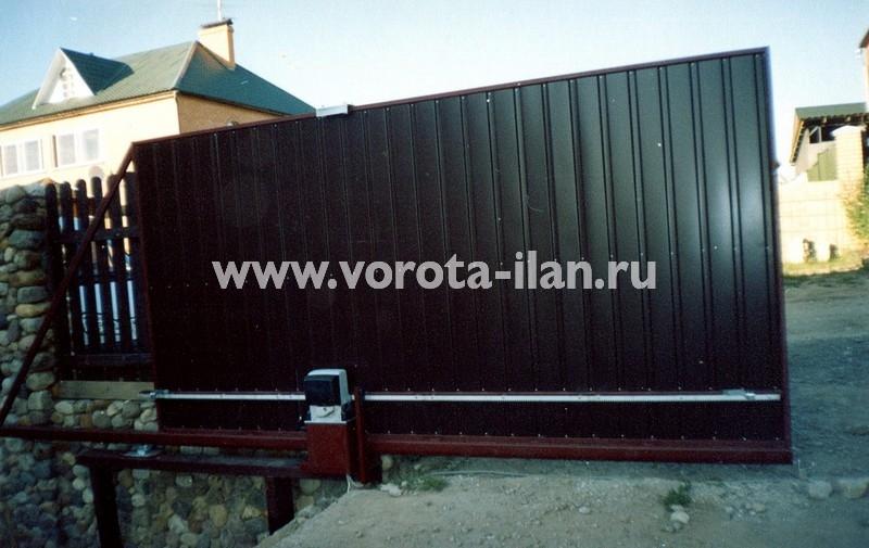 Ворота откатные_декоративные кирпичные столбы_фото 2