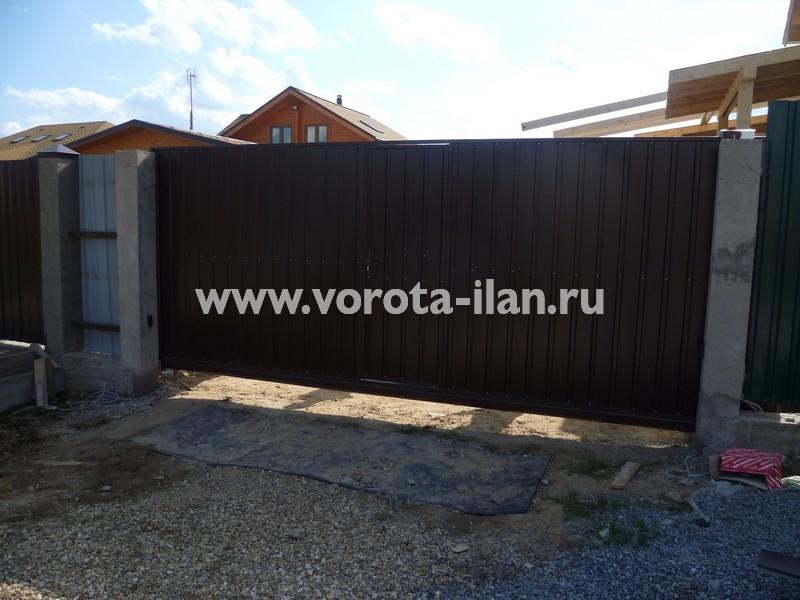 Ворота откатные коричневые с калиткой_фото 6