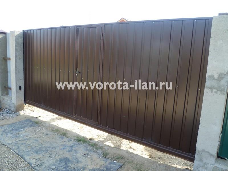 Ворота откатные коричневые с калиткой_фото 5