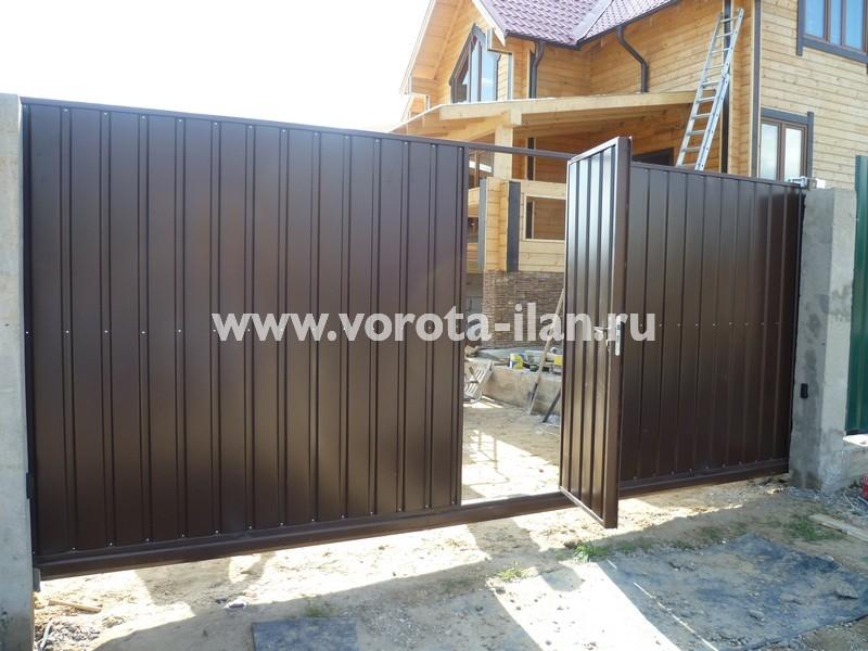 Ворота откатные коричневые с калиткой_фото 4