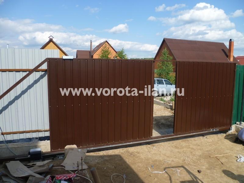 Ворота откатные коричневые с калиткой_фото 3