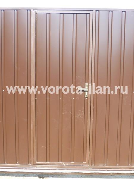 Ворота откатные коричневые с калиткой_фото 1