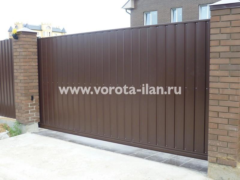 ворота откатные_темный кирпичный забор_фото 16