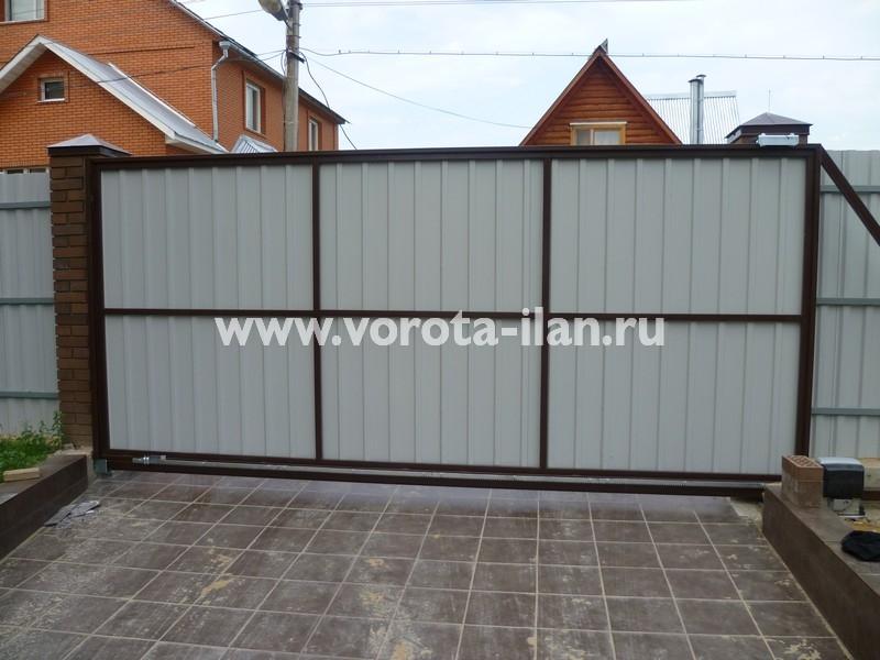 ворота откатные_темный кирпичный забор_фото 12