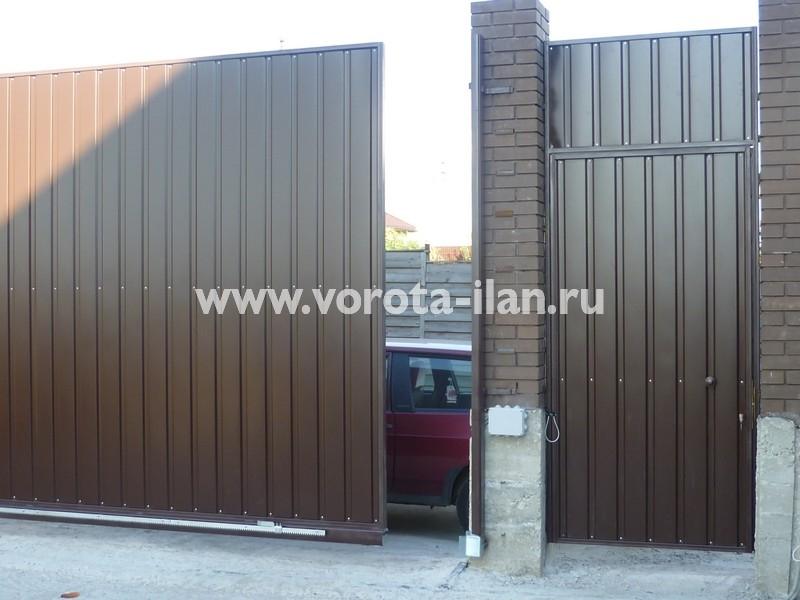 ворота откатные_темный кирпичный забор_фото 4