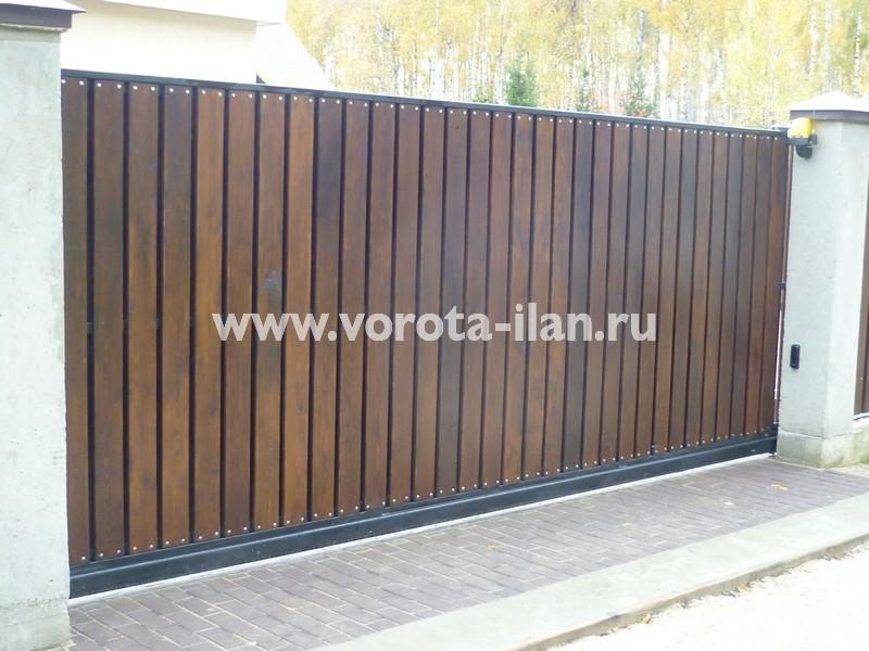 Ворота откатные_обшивка натуральное дерево тёмное_фото 3