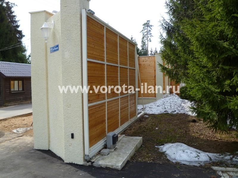 Ворота откатные_обшивка натуральным деревом_фото 4