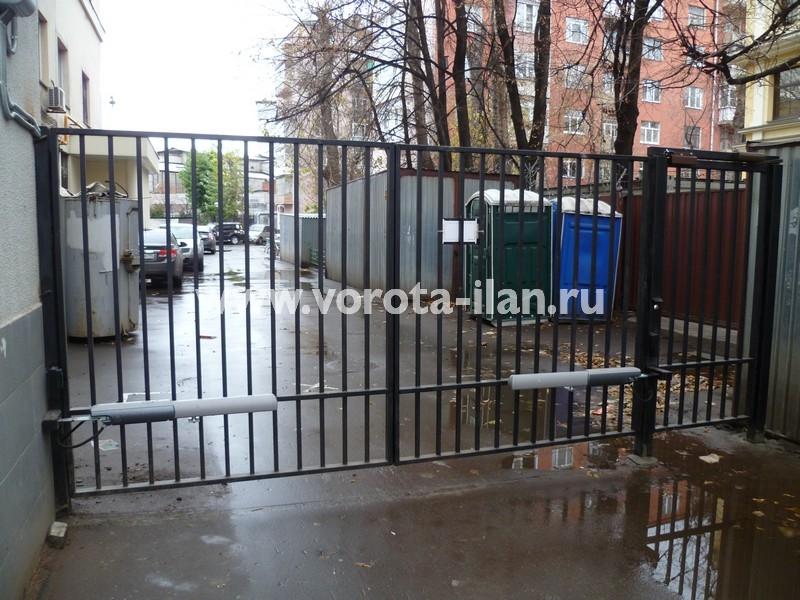 Ворота распашные с калиткой_Москва_фото 2