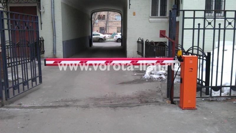 Москва_парковка у банка_шлагбаум CAME GARD4000_фото 4