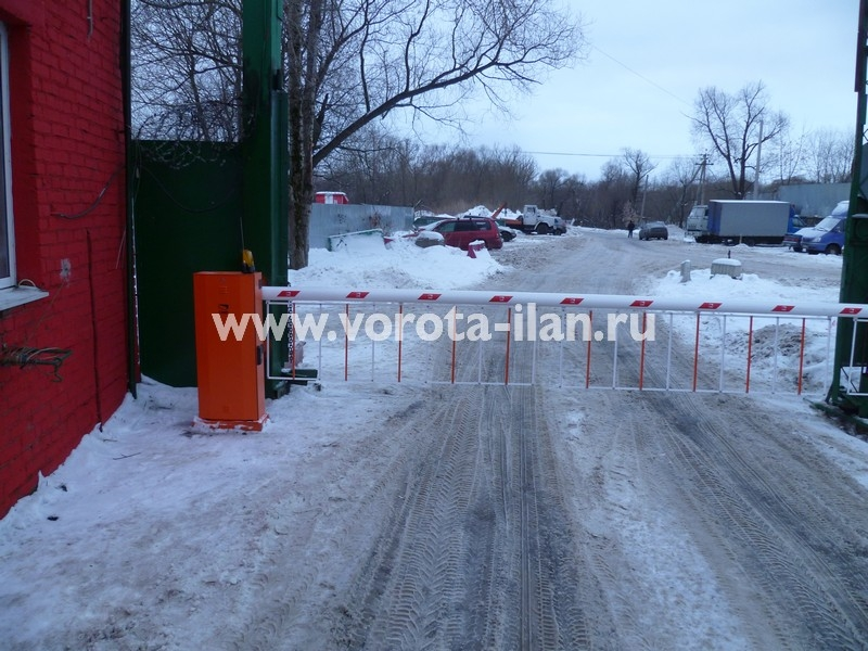 Москва_Щербинка_ул. Щербинская, д. 48_шлагбаум подъёмный 6 метров со шторкой_фото 3