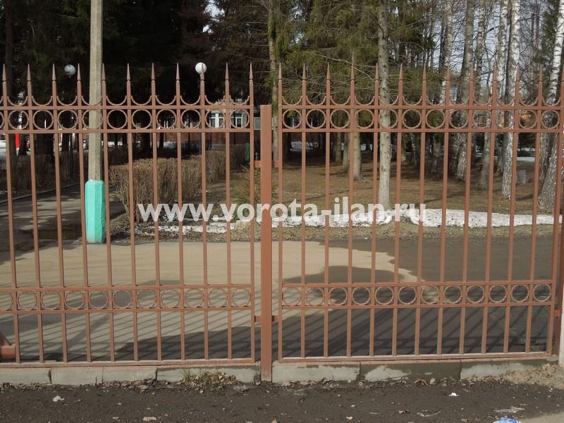 забор кованый Ника.jpg