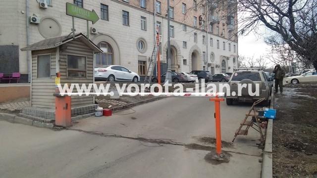 Москва_Варшавское шоссе 2_стойка с электромагнитным замком_столб_видеонаблюдение_УДП_2