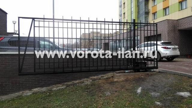Москва_Большая Калитниковская 42а_ворота откатные с калиткой и секционным забором_3