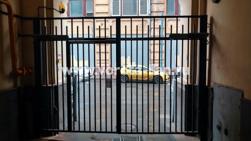 Ворота распашные с калиткой_московский двор_фото 6