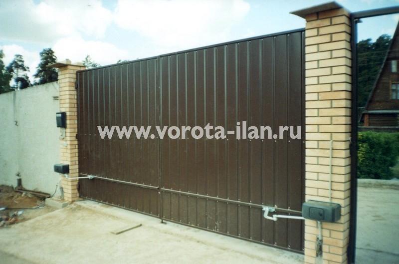 Ворота распашные коричневые_фото 1
