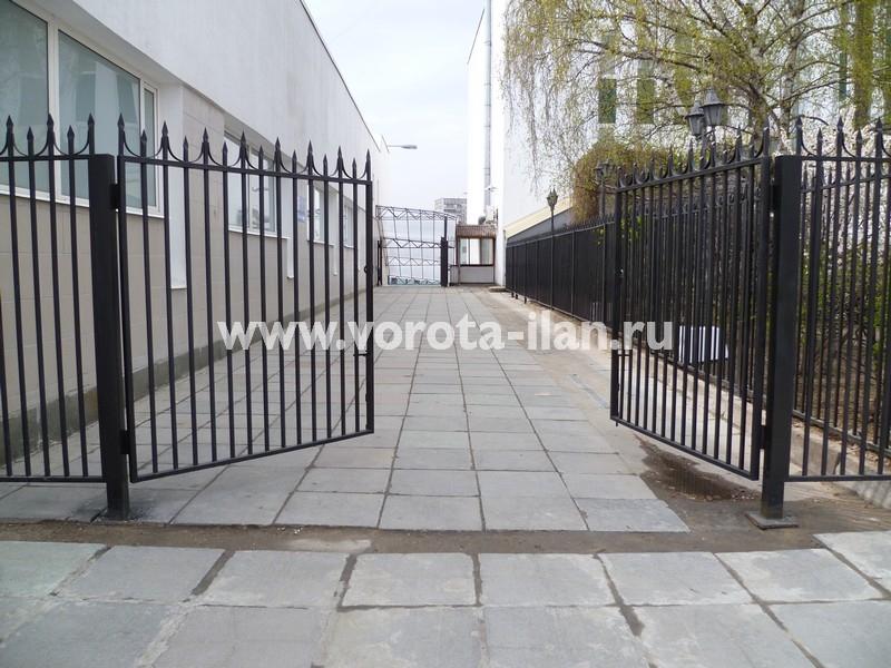 Ворота распашные_Москва_фото 2