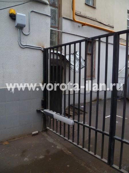 Ворота распашные с калиткой_Москва_фото 3