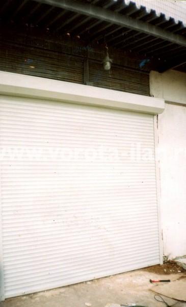 Рольворота гаражные белые_фото 1