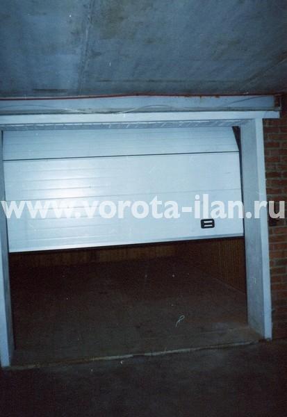 Ворота секционные гаражные_белые_фото 3