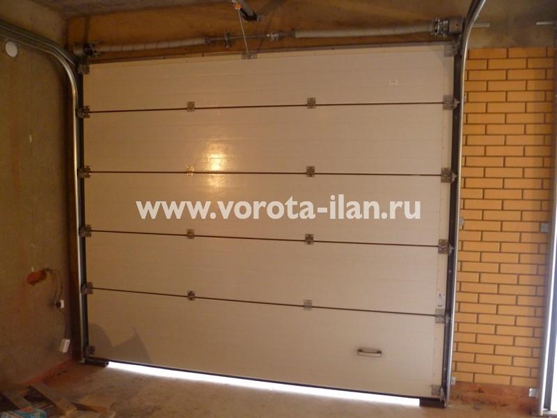 Ворота секционные гаражные_вид изнутри_фото 1