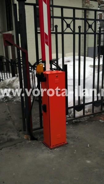 Москва_парковка у банка_шлагбаум CAME GARD4000_фото 2