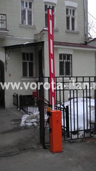 Москва_парковка у банка_шлагбаум CAME GARD4000_фото 1