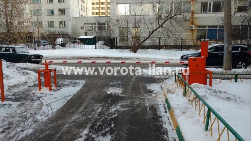 Москва_улица Вересаева_шлагбаум подъёмный с системой диспетчеризации_фото 2